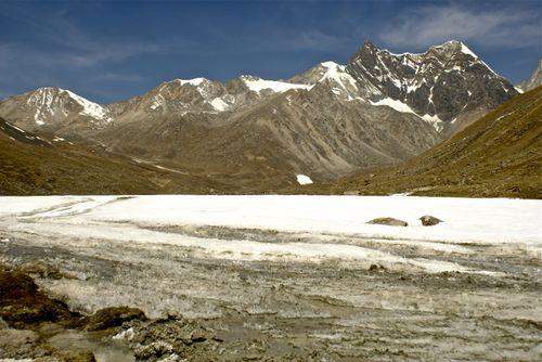 Mountains along the Changtang
