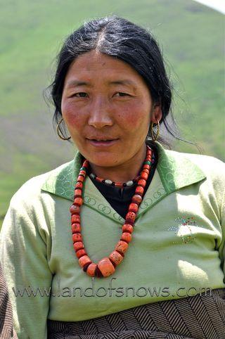 Amdo woman from Amchok