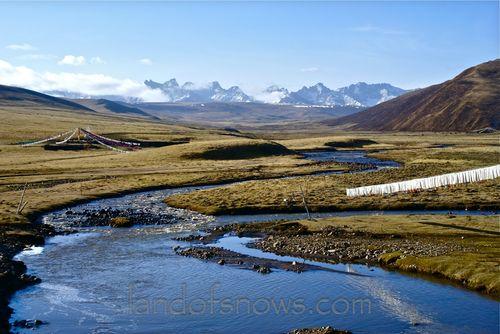 Nyenbo Yurtse Range in Golok