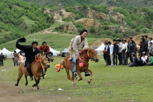 Horse race in Lithang