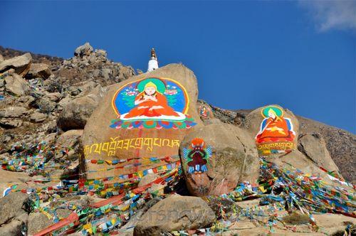 rock paintings near Drepung Monastery