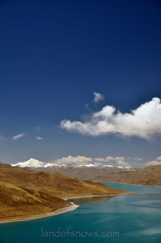Yamdrok Lake in spring