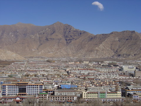 Modern_housing_in_lhasa