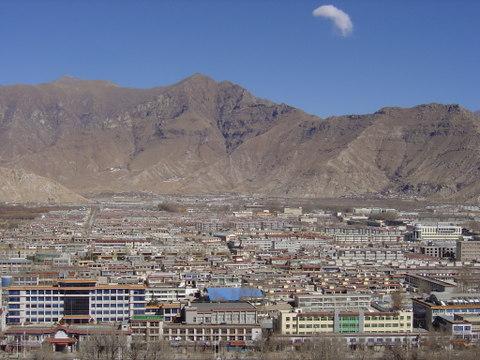 Modern_housing_in_lhasa