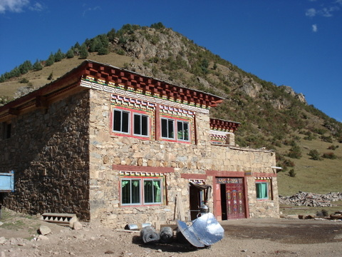 Stone_home_in_kham