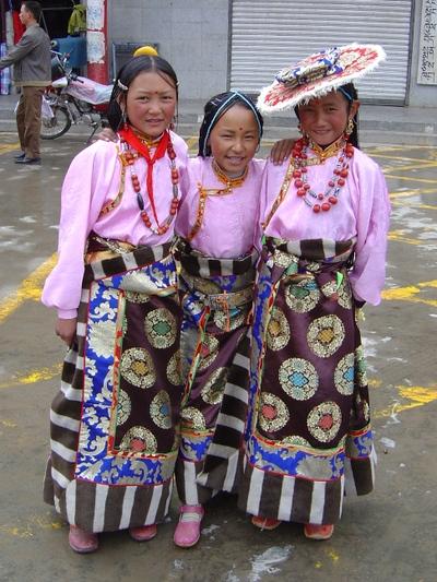 Kham_tibet_girls_1